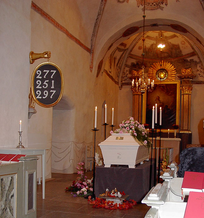 begravning kista kyrka