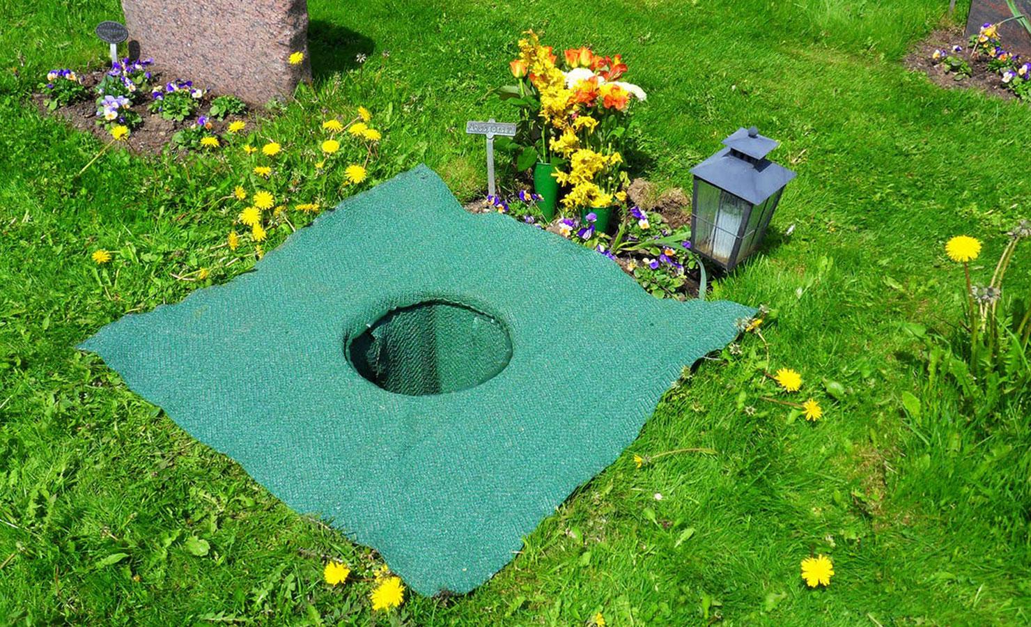 gravsättning urna klädsel